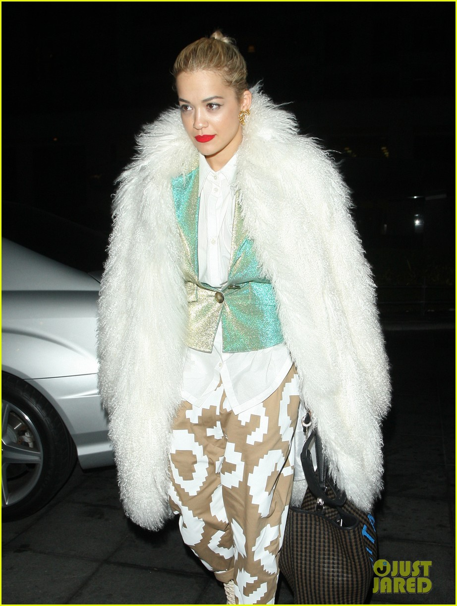 rita ora enjoys dinner out while home in london 02