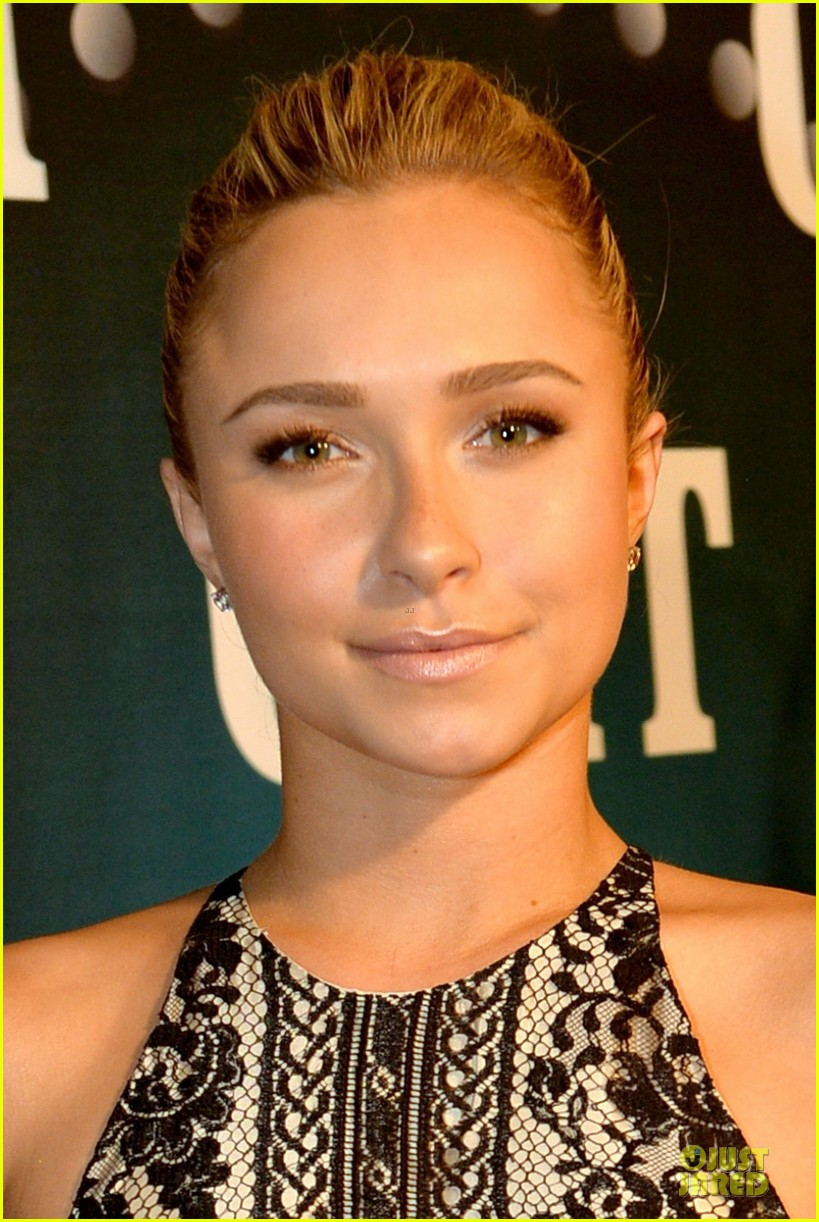 hayden panettiere cassadee pope cmt artists of the year 2013 173004673