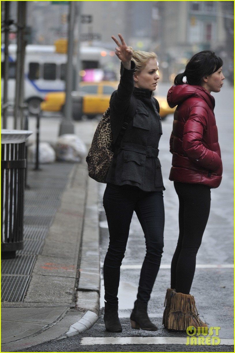 anna paquin steps out before stephen moyers live sound of music 023005556