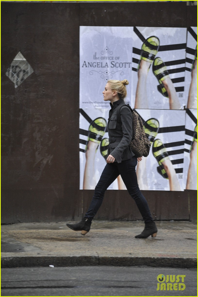 anna paquin steps out before stephen moyers live sound of music 073005561