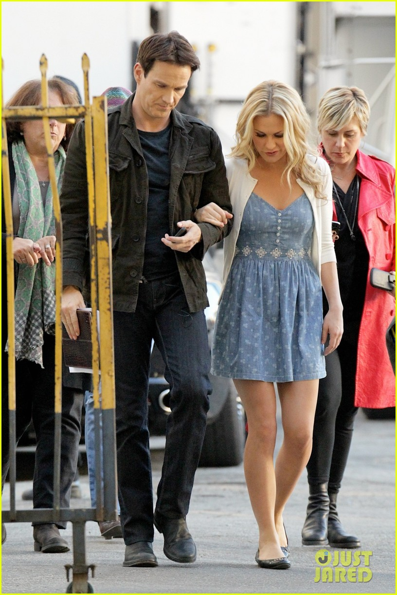 anna paquin stephen moyer commercial shoot couple 043010539