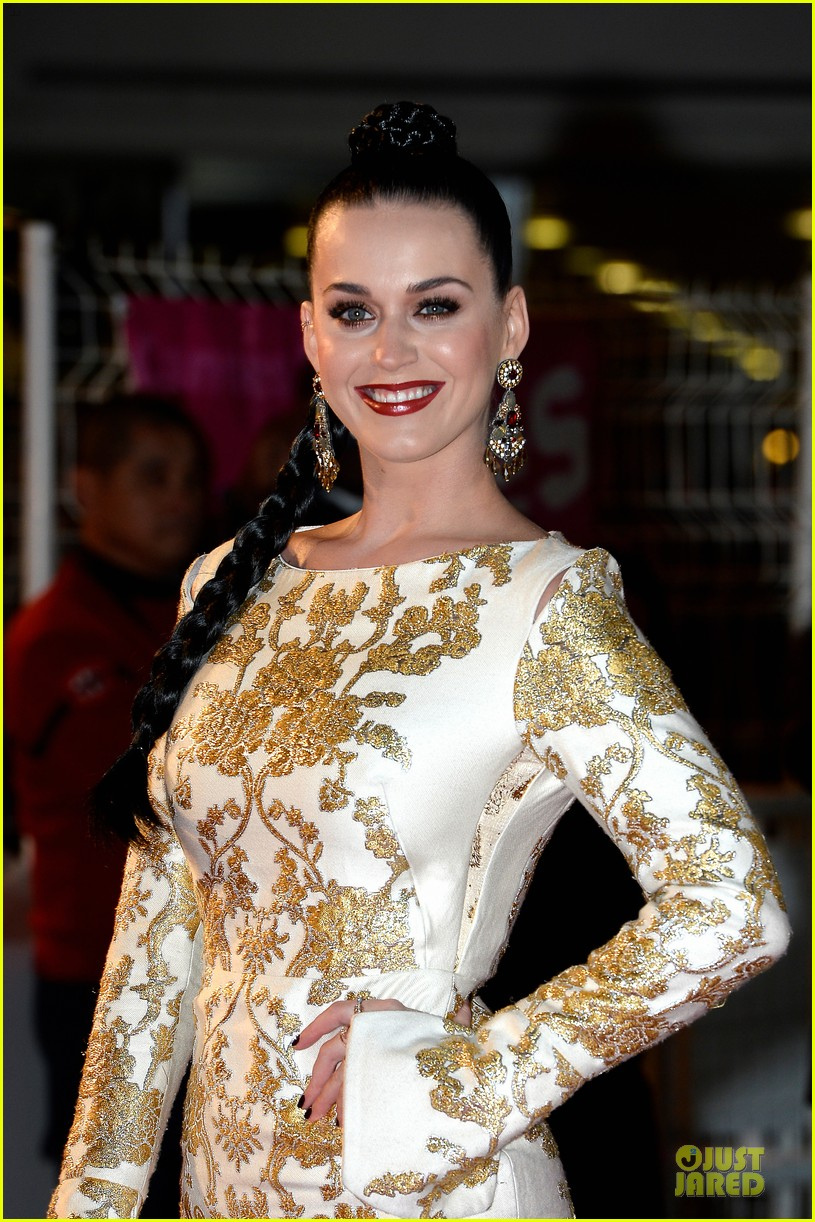 katy perry golden girl at nrj music awards 2013 15