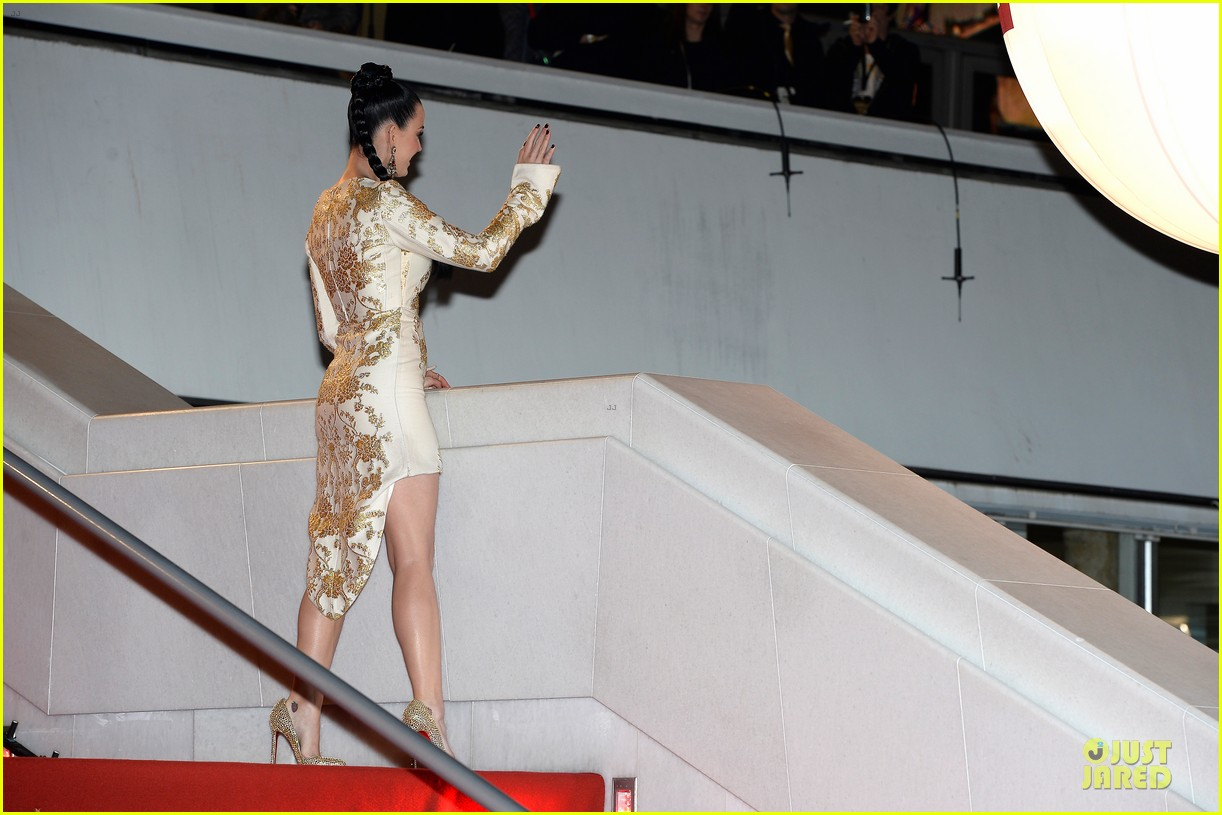 katy perry golden girl at nrj music awards 2013 17