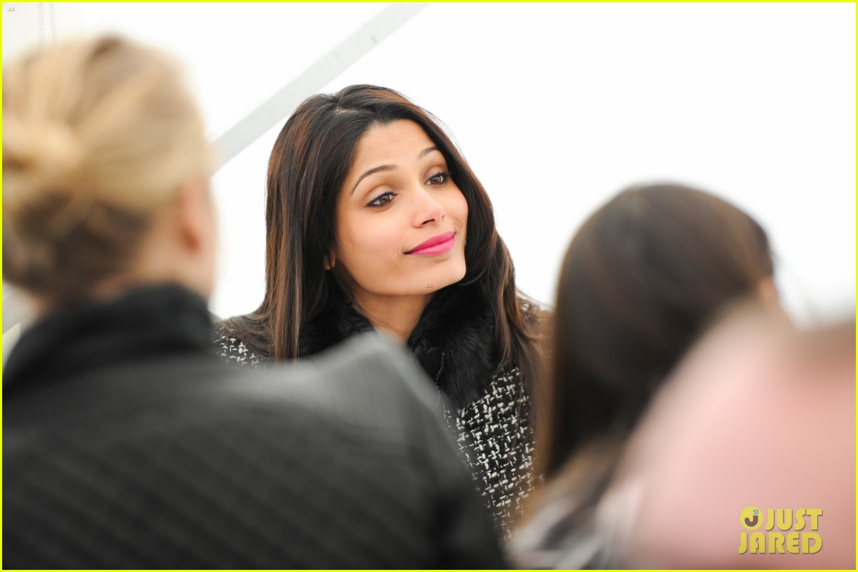freida pinto asmallworld winter weekend in switzerland 16