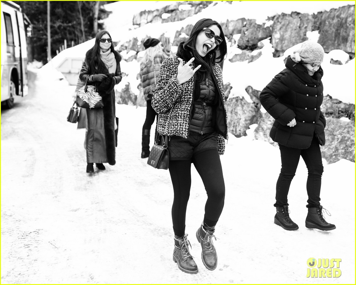 freida pinto asmallworld winter weekend in switzerland 39