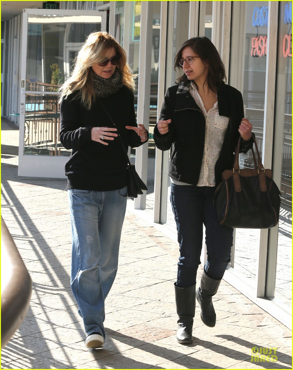 ellen pompeo chris ivery disney on ice with stella 143012122