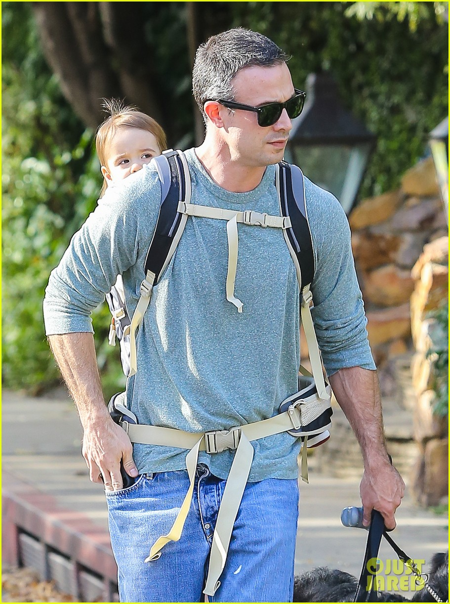 freddie prinze jr walks the dog with son rocky 123012863