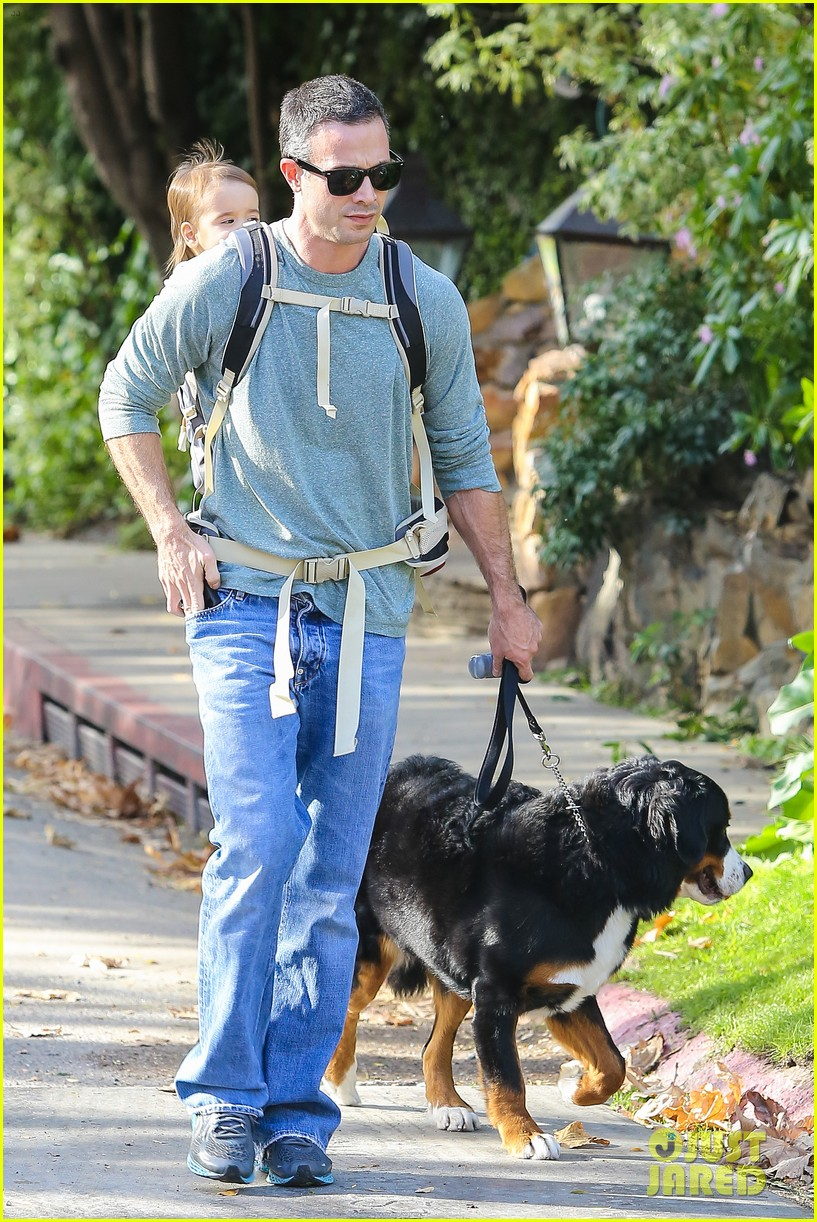 freddie prinze jr walks the dog with son rocky 13