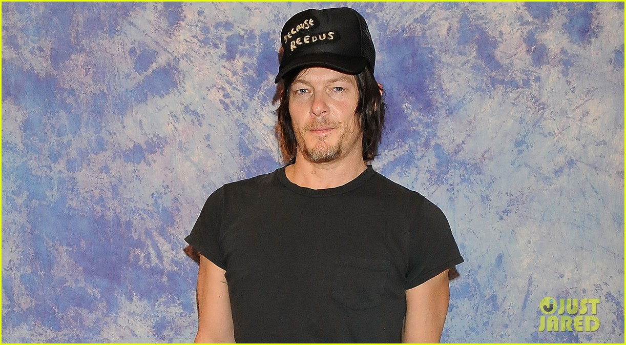 norman reedus hollywood collectors convention 03