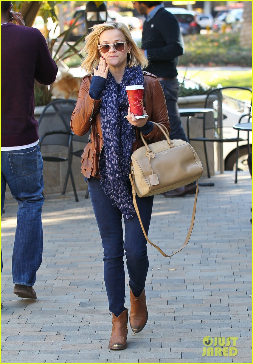 reese witherspoon back on the road for the good lie 09