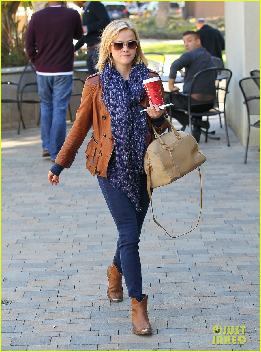 reese witherspoon back on the road for the good lie 13