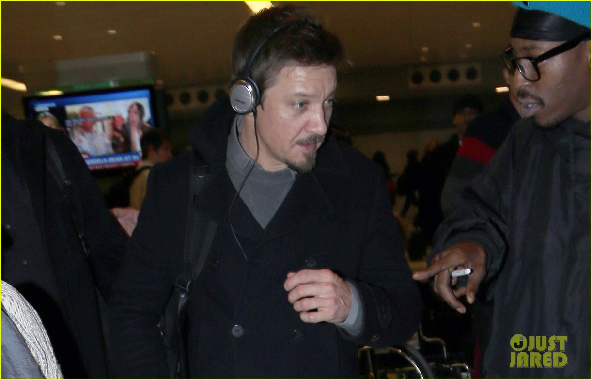 jeremy renner next bourne film set for 2015 033006379
