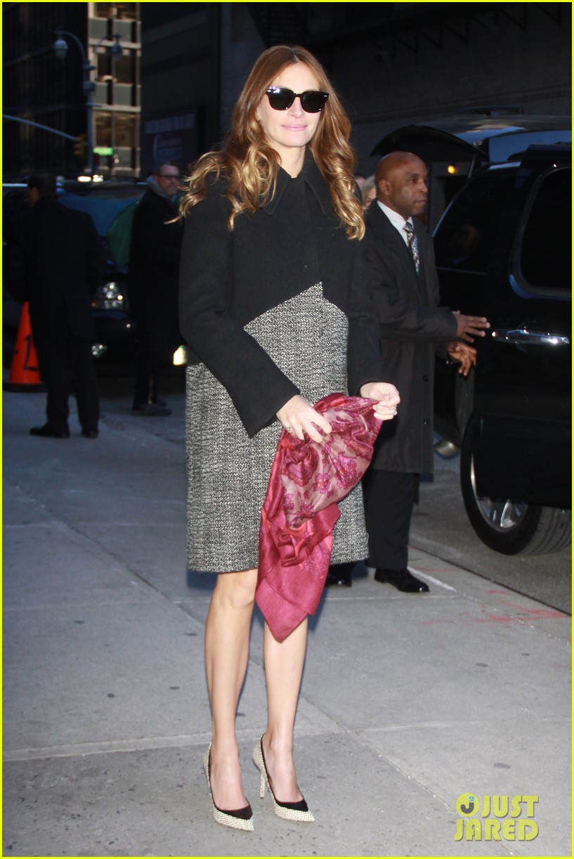 julia roberts durmot mulroney august osage county ny premiere 013010854