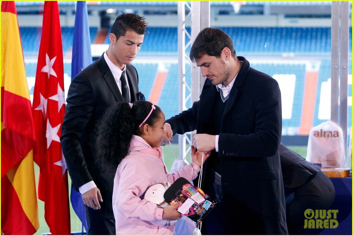cristiano ronaldo one toy one hope charity event 15