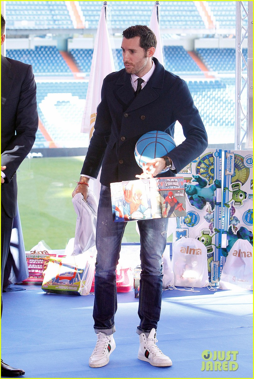 cristiano ronaldo one toy one hope charity event 19