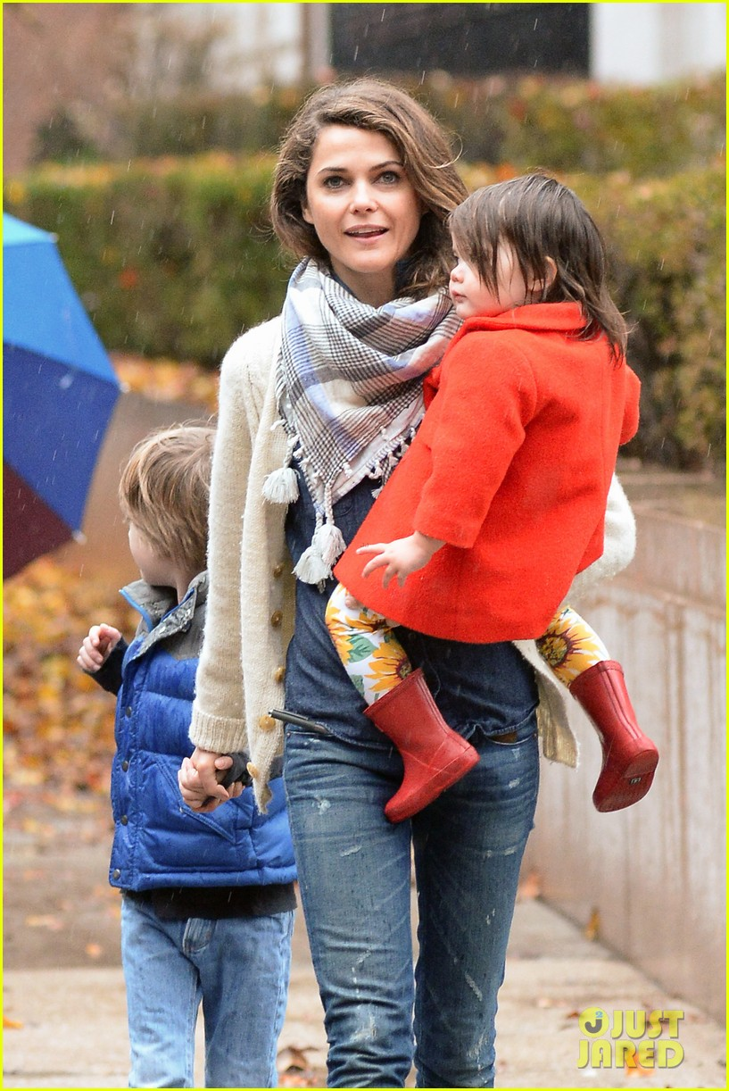 keri russell steps out with kids after shane deary split news 08