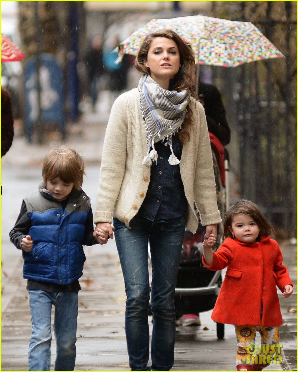 keri russell steps out with kids after shane deary split news 09