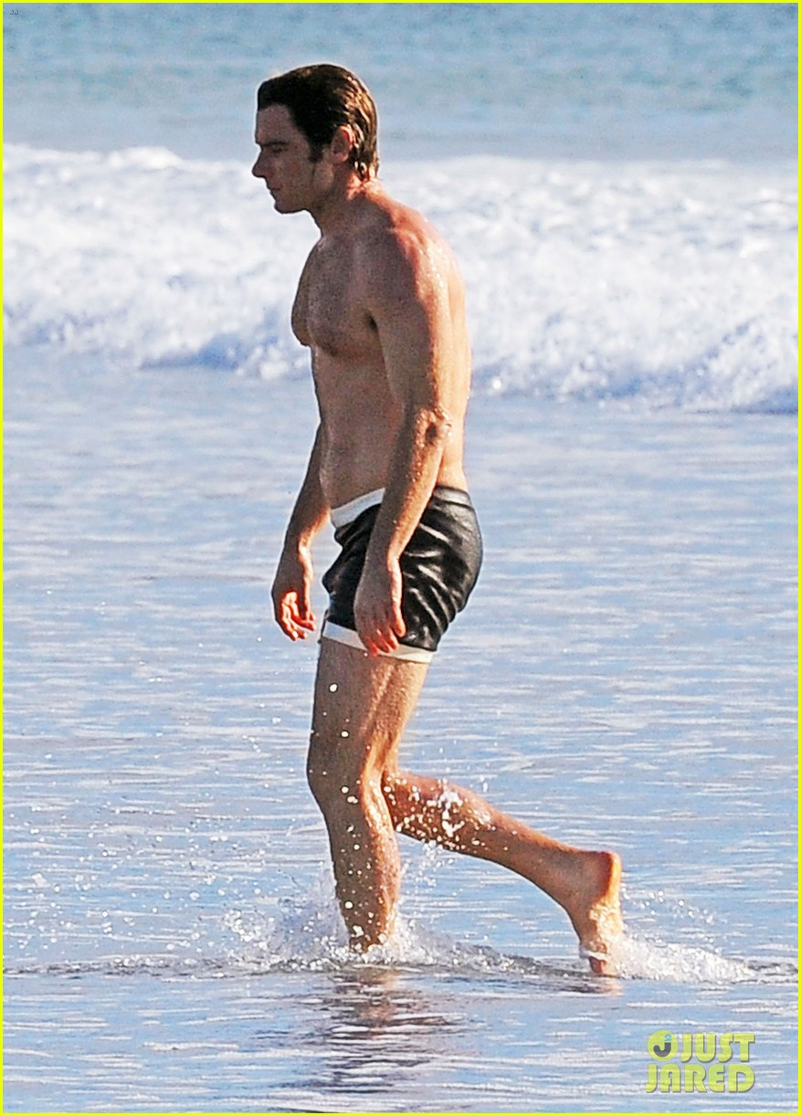 liev schreiber goes shirtless in skimpy swimsuit at the beach 013009321