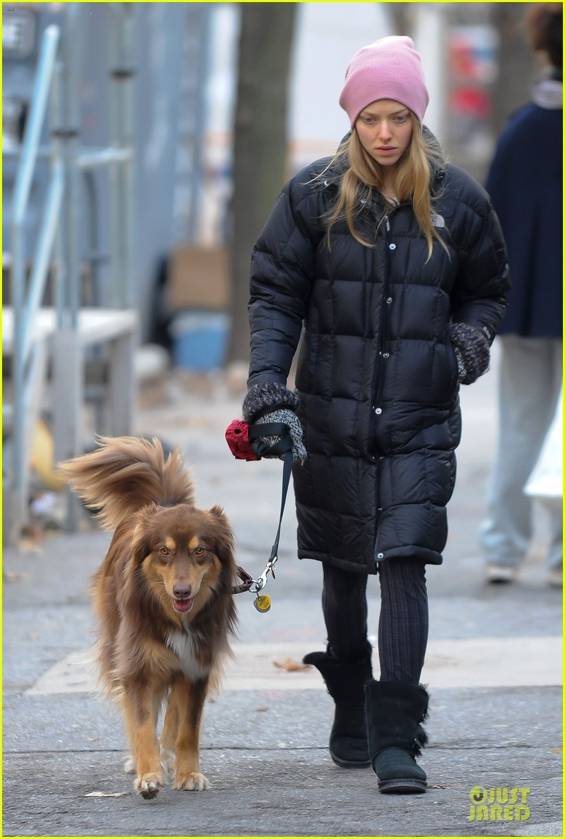 amanda seyfried post christmas pink walk with finn 103018755