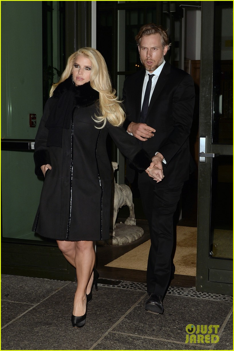 jessica simpson footwear news achievement awards 2013 12