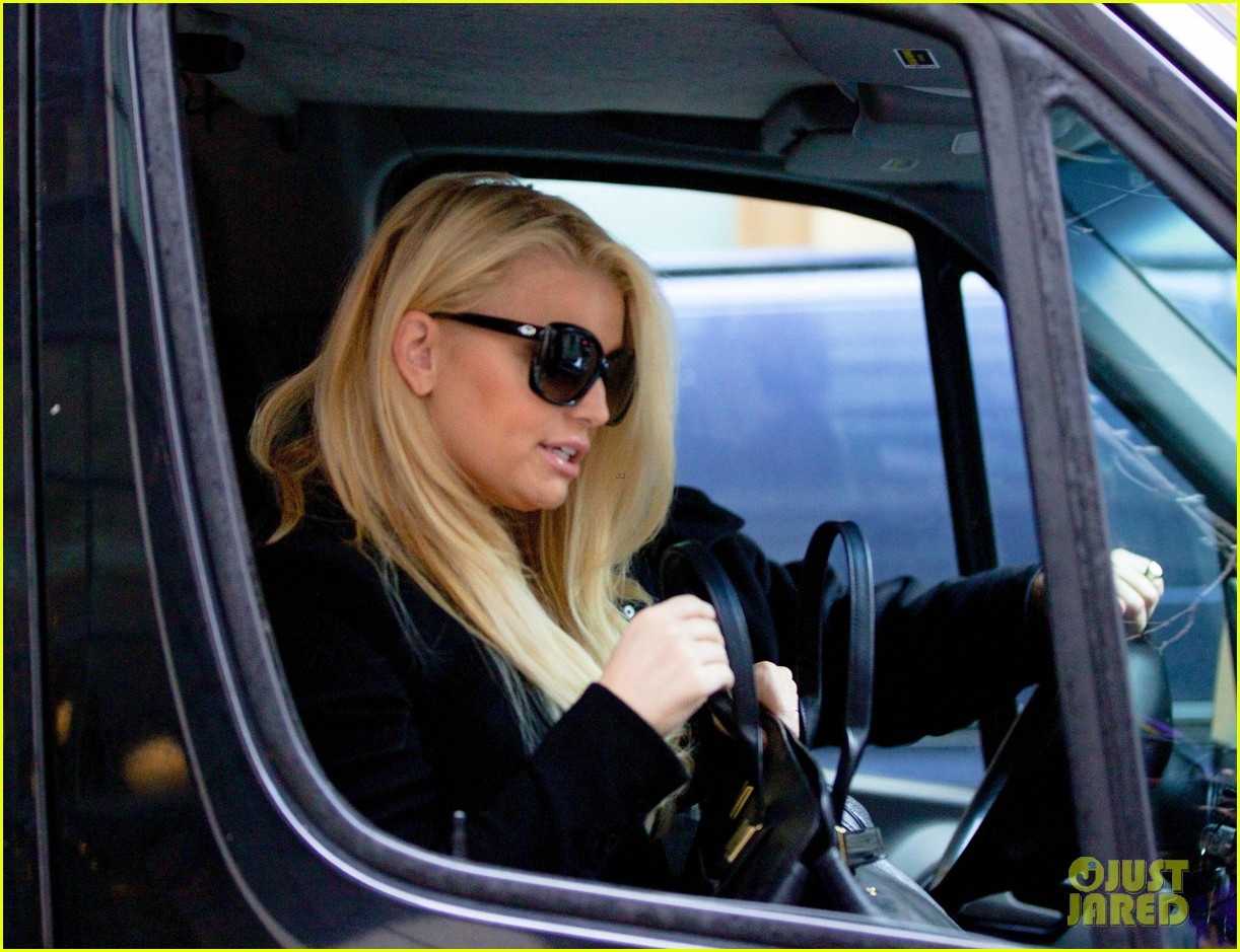jessica simpson look at all moms as superheroes 28