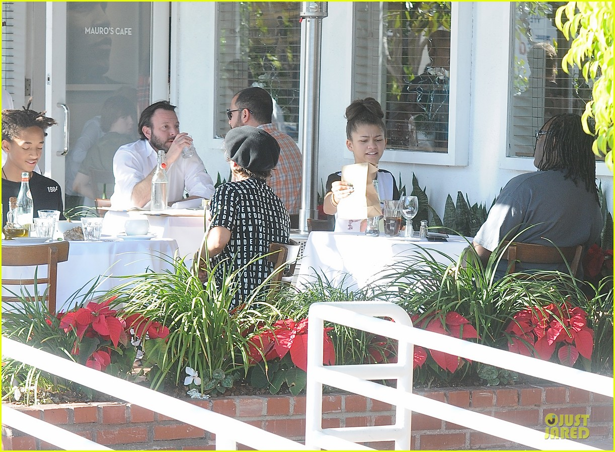 jaden smith zendaya table mates at mauro cafe 03