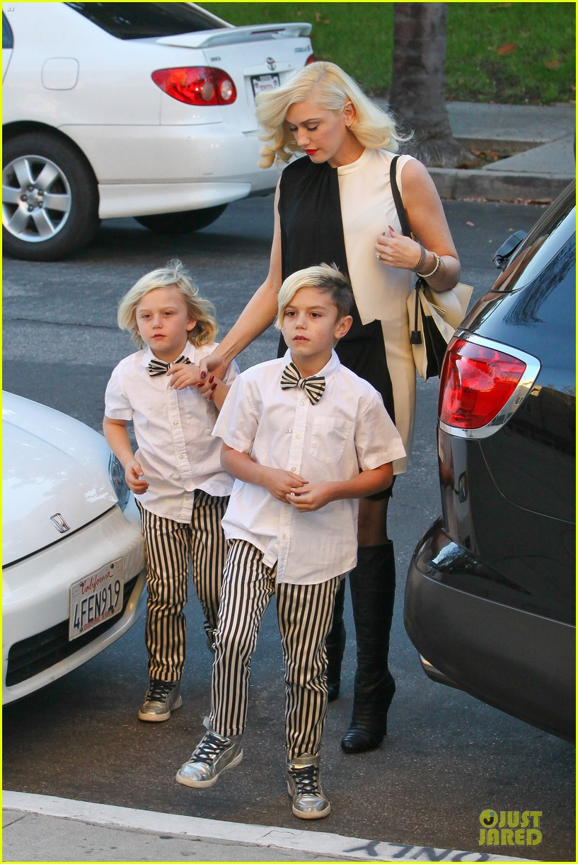 gwen stefani christmas eve mass with matching boys 033017421