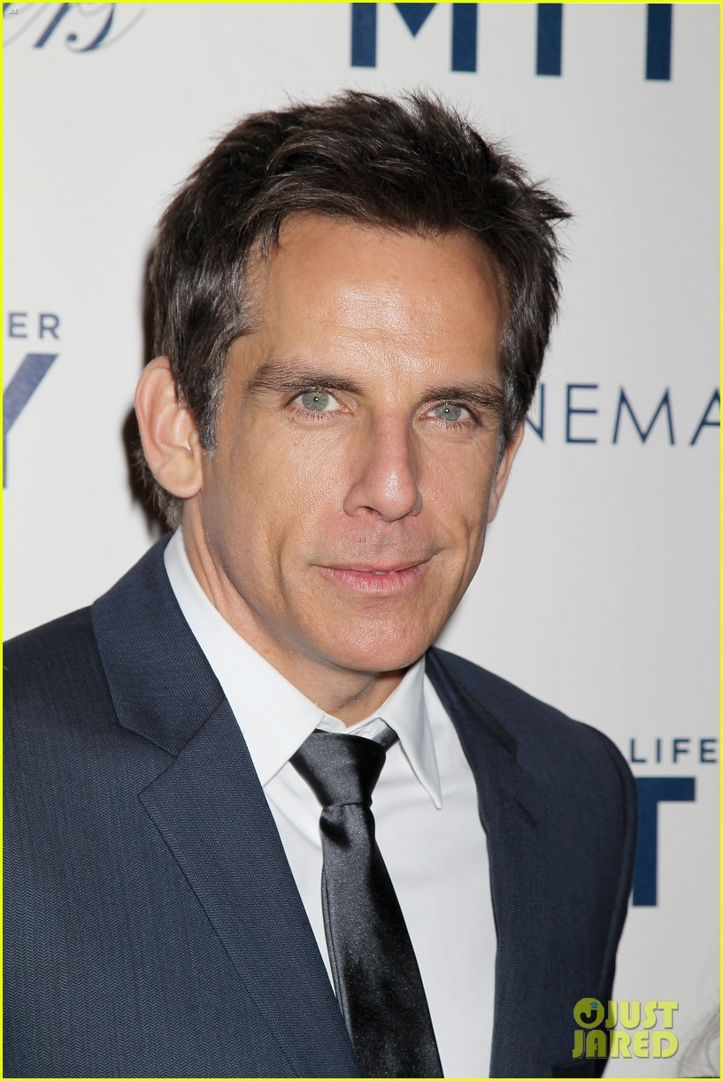 kristen wiig ben stiller own the walter mitty props now 063014848