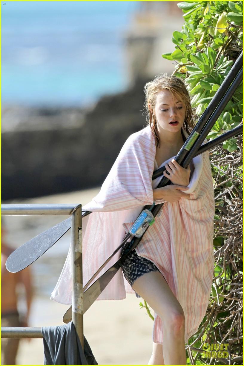 emma stone hawaiian paddle boarding babe 13