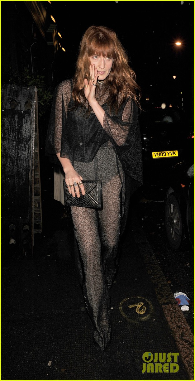 suki waterhouse daisy lowe love magazine holiday party 123014131