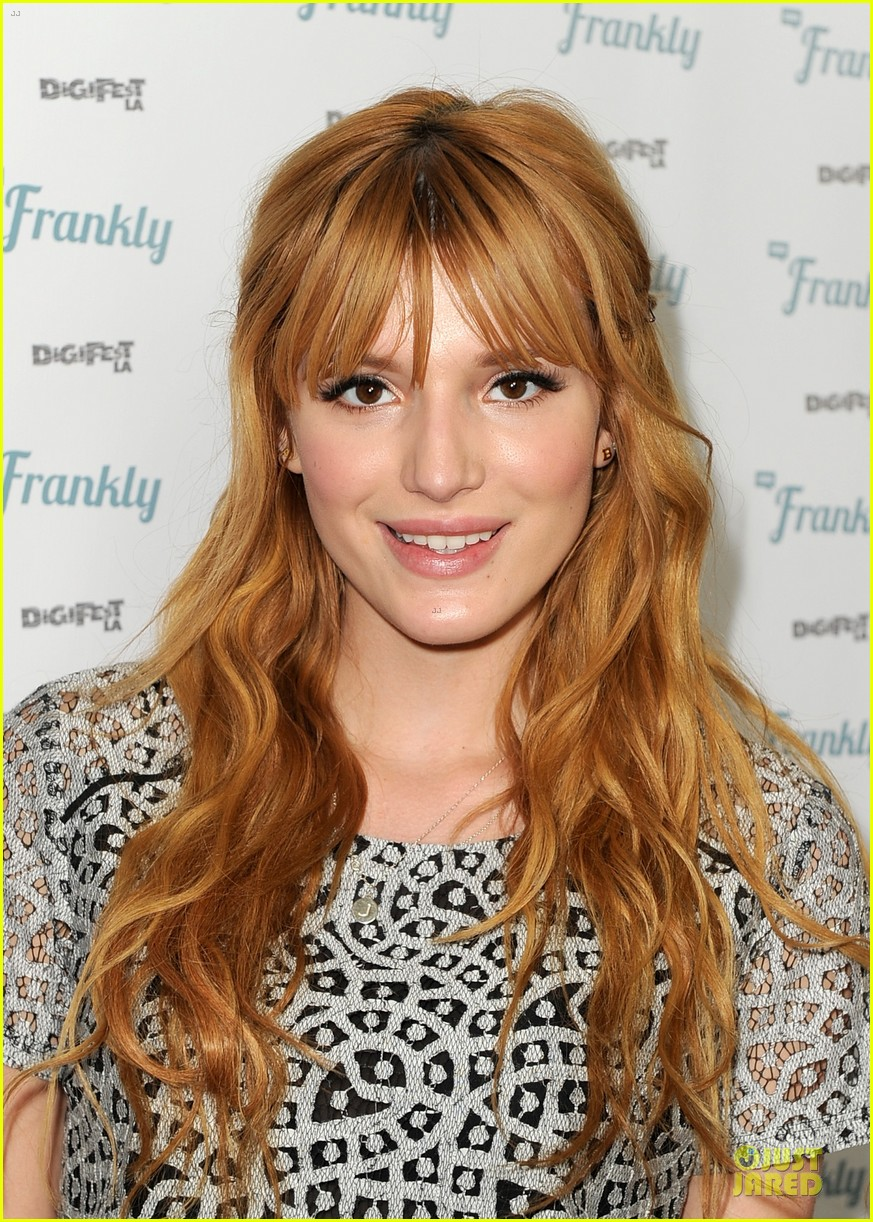 bella thorne digifest la with noah cyrus 083012732
