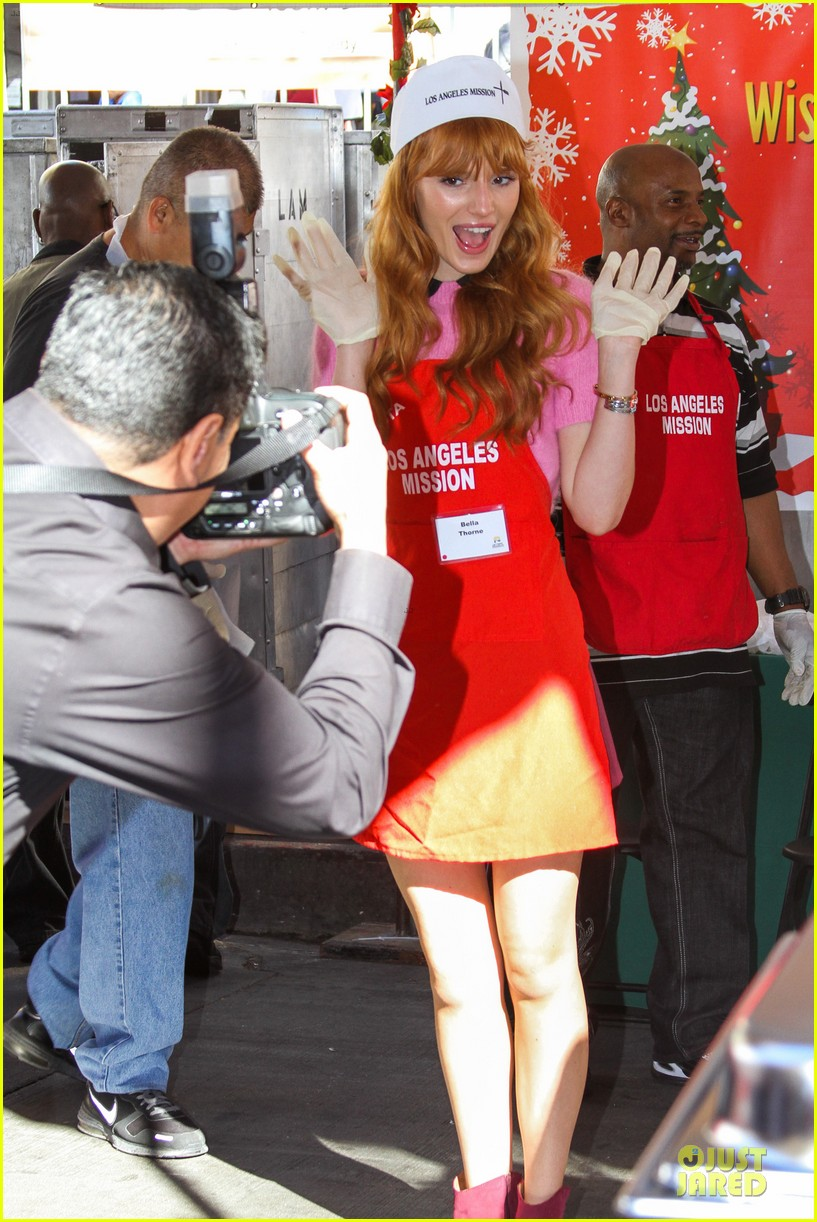 bella thorne tristan klier la mission christmas eve celebration 073017383