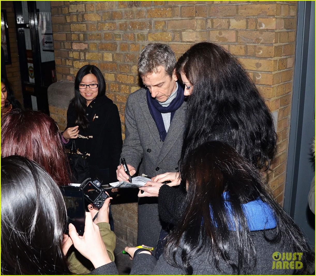 tom hiddleston watch psa to help syrian children 073011240