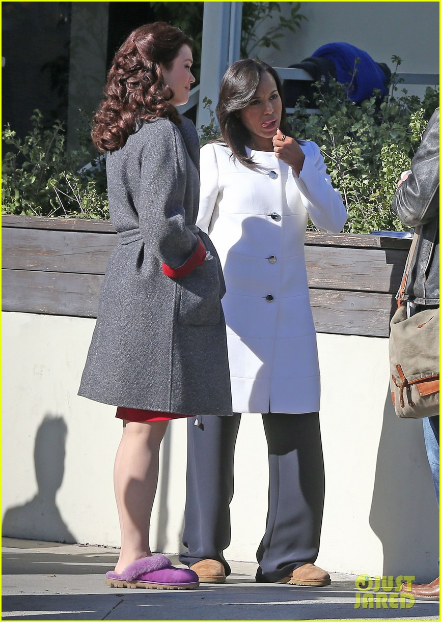 kerry washington bellamy young side by side for scandal filming 053008955