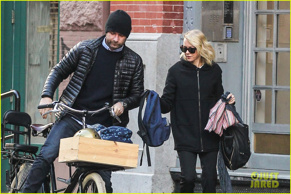 naomi watts takes subway while her boys bike to school 07