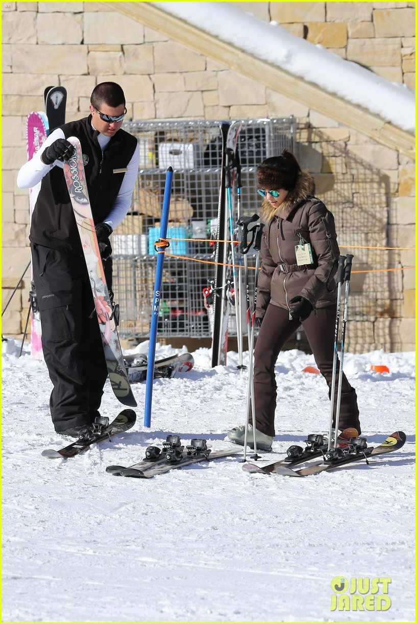 kanye west wears full face mask for skiing with kim kardashian 273019975