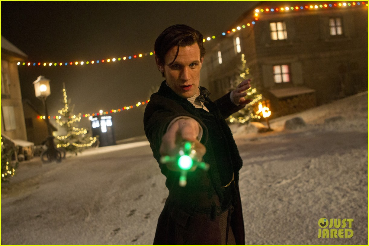 matt smith doctor who christmas special stills posters 023005398