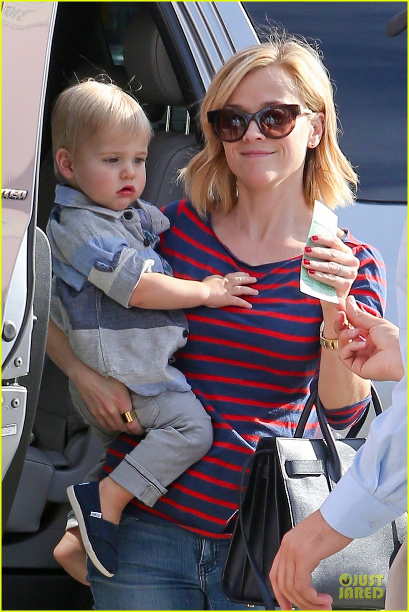 reese witherspoon ivy at the shore lunch with tennessee 083012644