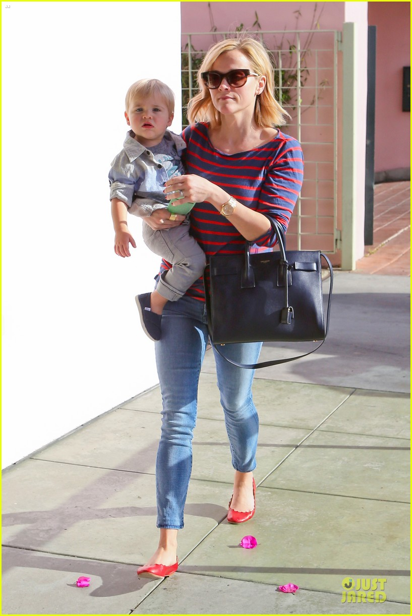 reese witherspoon ivy at the shore lunch with tennessee 113012647
