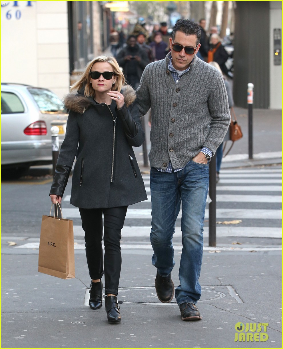 reese witherspoon jim toth go shopping in paris 033008417