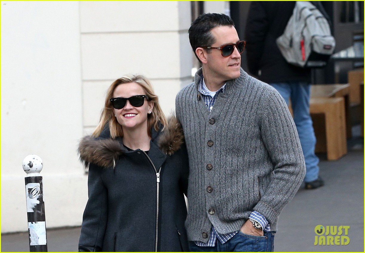 reese witherspoon jim toth go shopping in paris 043008418