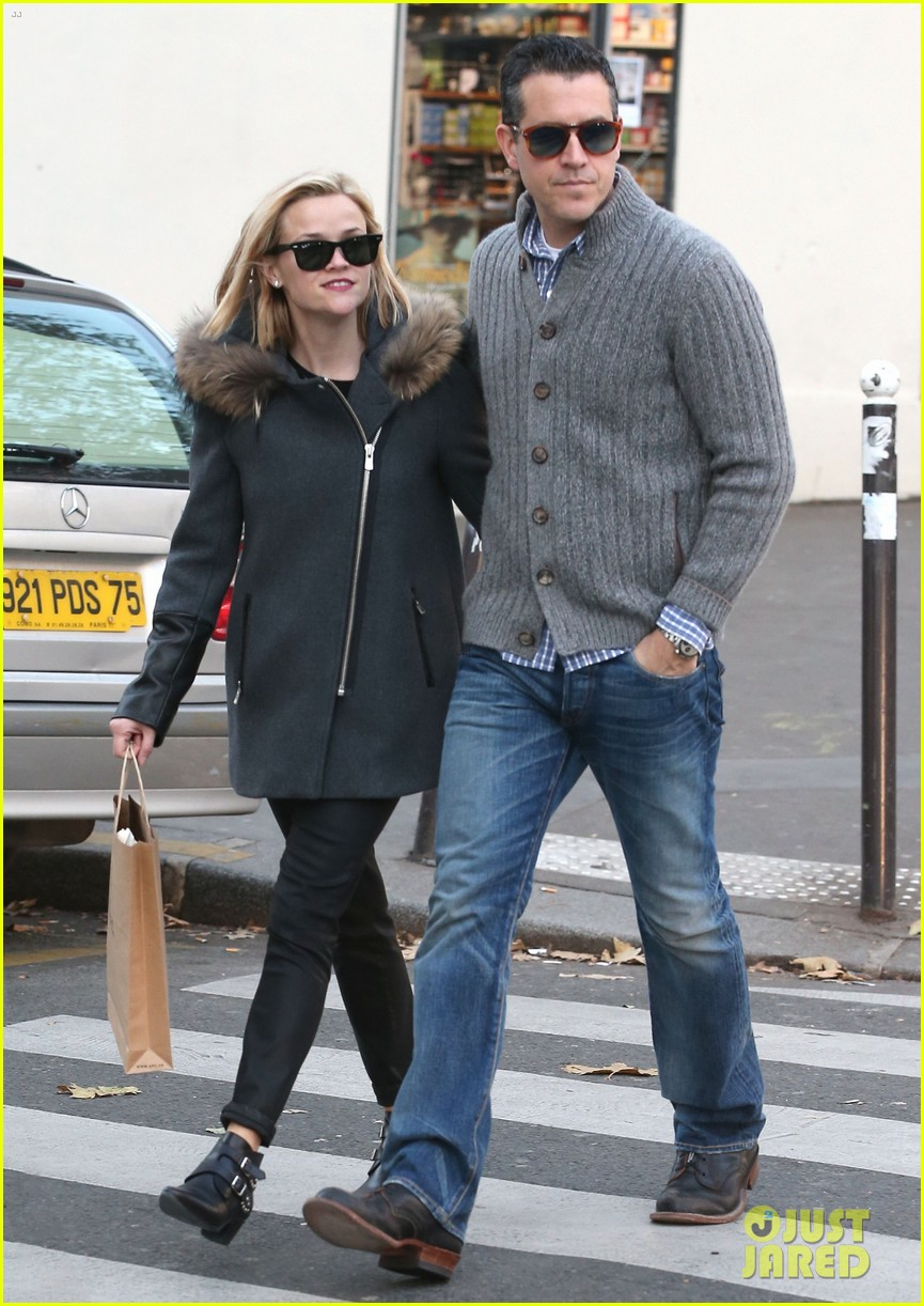 reese witherspoon jim toth go shopping in paris 05