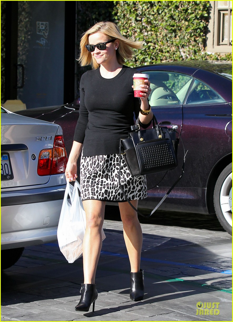 reese witherspoon wild lunch before christmas 113016747