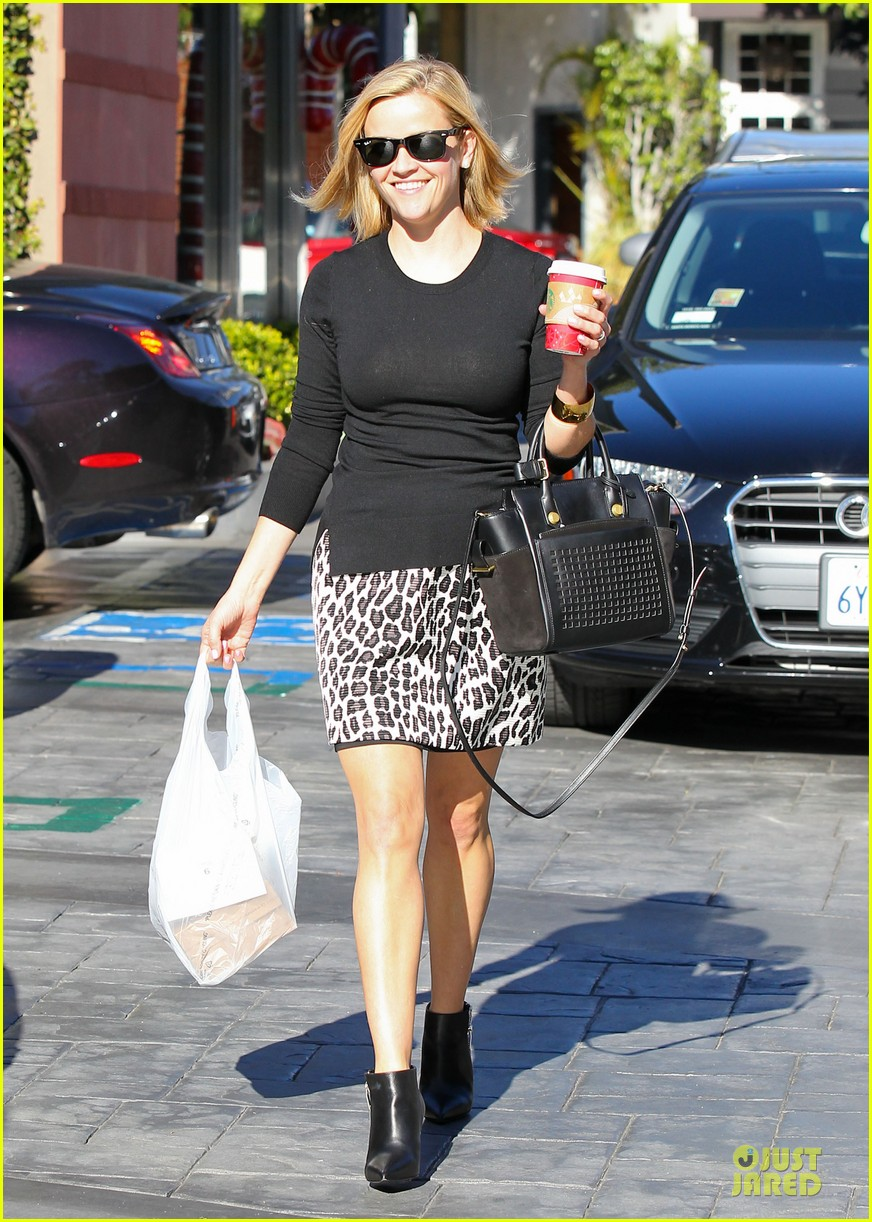 reese witherspoon wild lunch before christmas 14