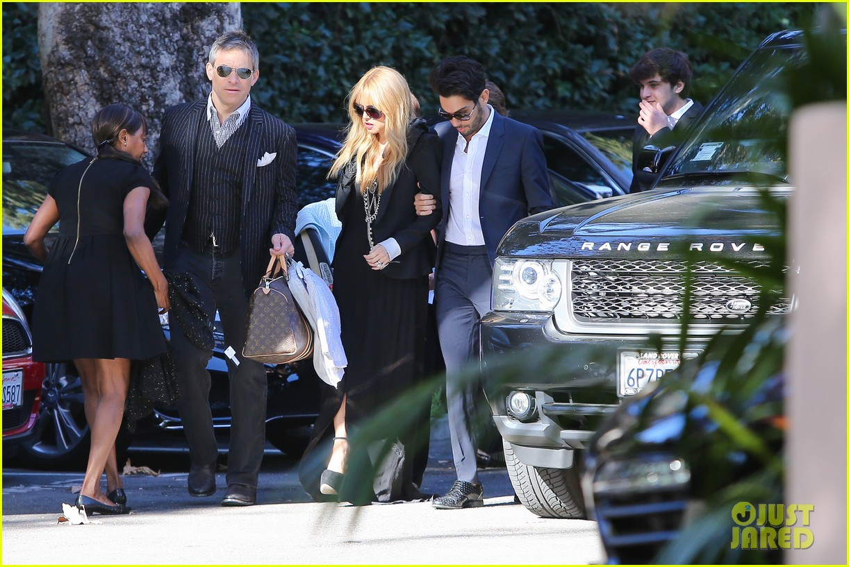 rachel zoe steps out with newborn baby kai 033019541