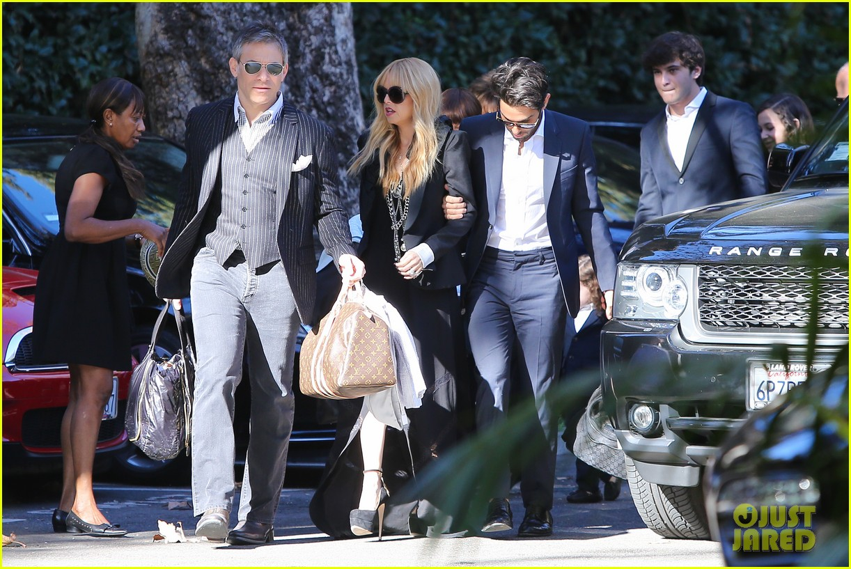 rachel zoe steps out with newborn baby kai 083019546