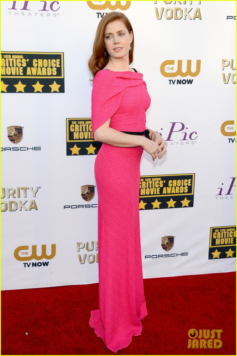amy adams critics choice awards 2014 red carpet 01