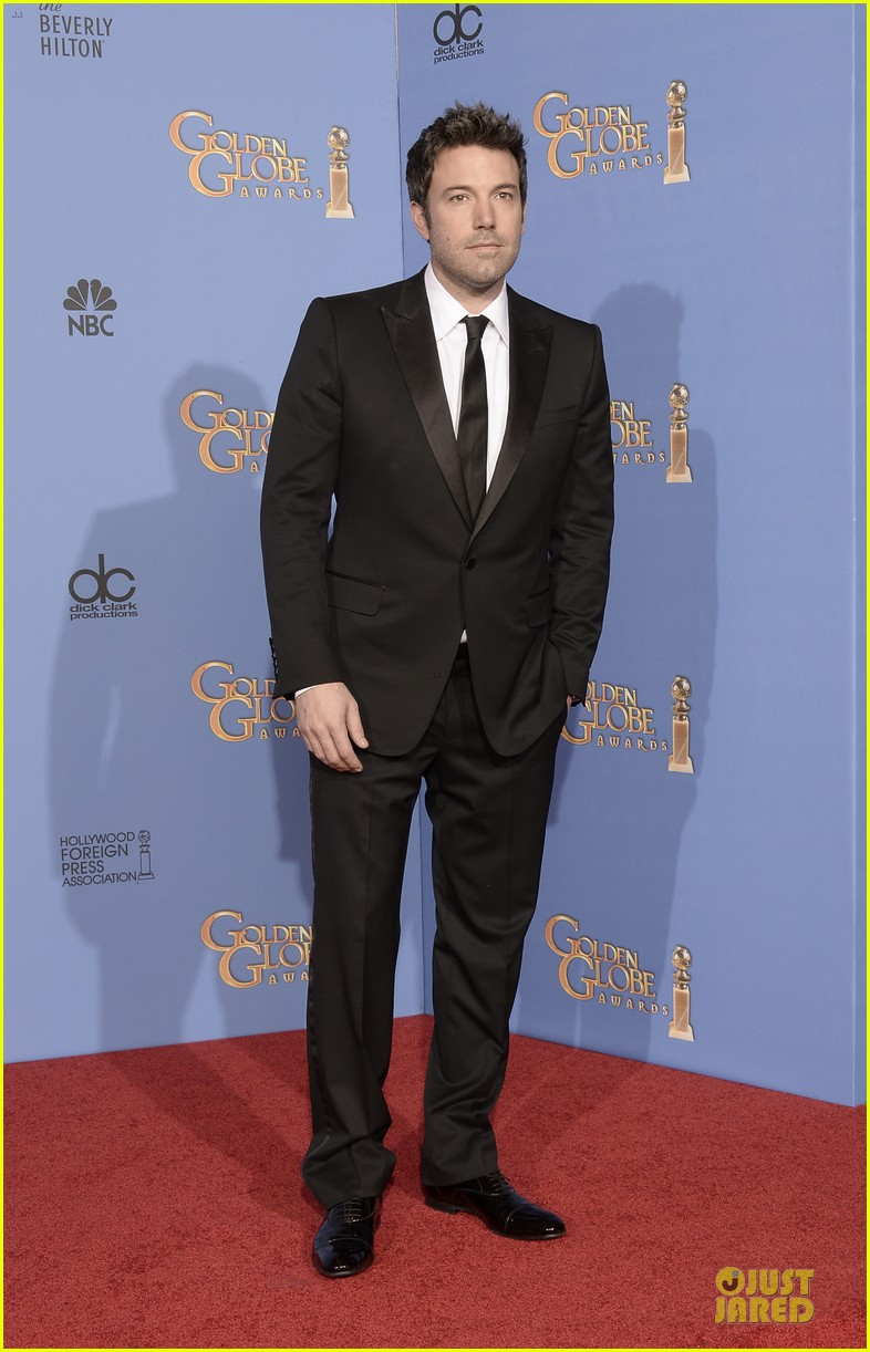 ben affleck golden globes 2014 red carpet 01