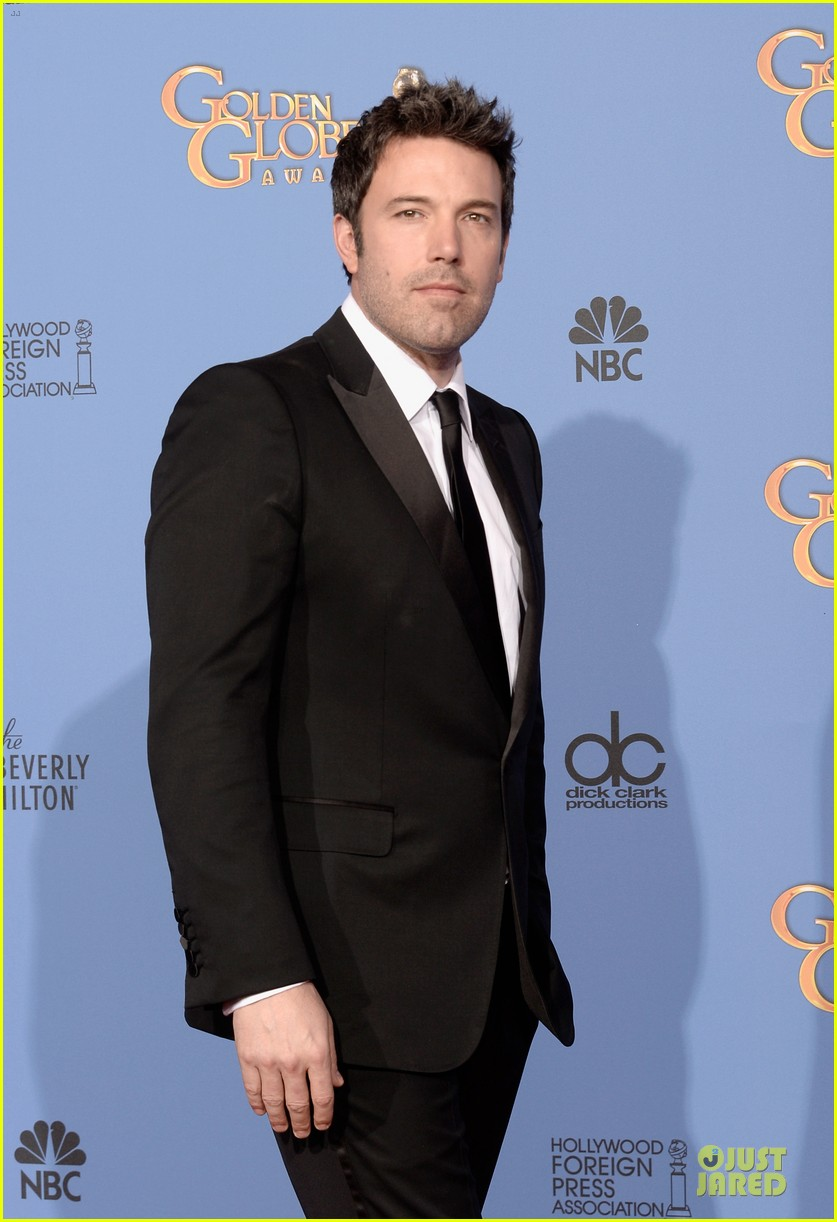 ben affleck golden globes 2014 red carpet 073029649