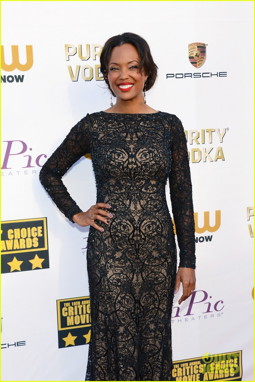 aisha tyler critics choice movie awards 2014 red carpet 03
